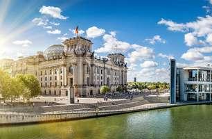 Reichstag an der Spree in Berlin